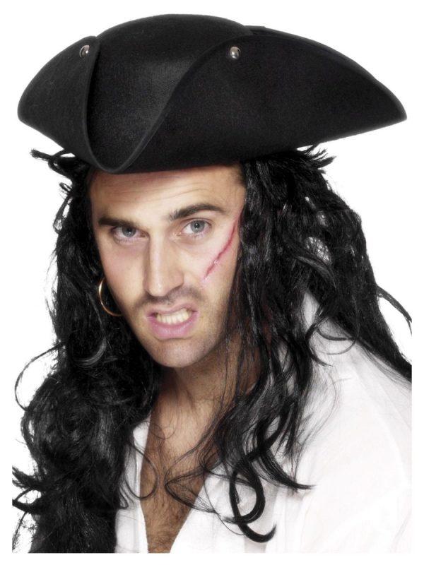 Пиратска триъгълна шапка